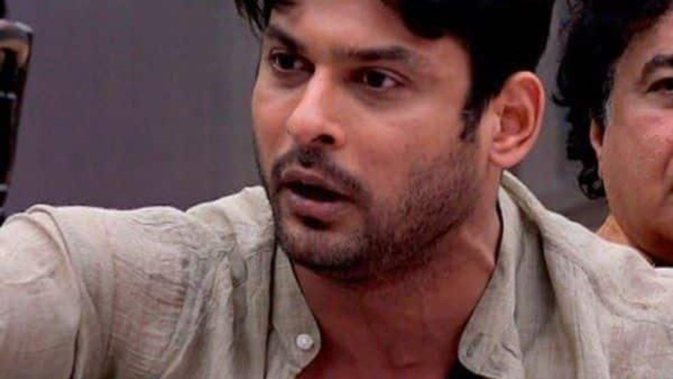 Fans Uncontrollable On Eviction Of Siddharth Shukla From
