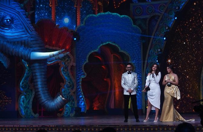 Taapsee at Star Screen Awards