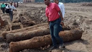 Photo of 6 cannons of British Era recovered from Kasturchand Park Area