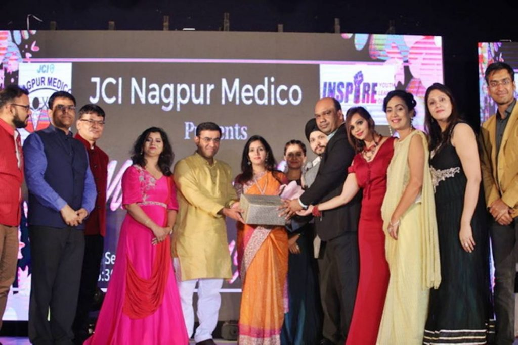 City Gets Its Mr Mrs Medico In The Jci Nagpur Medico Fashion Competition Nagpur Oranges