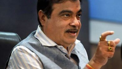 Photo of Union Minister Nitin Gadkari in action, warns officers to complete work within 3 days